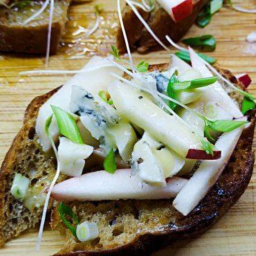 Blue Cheese Apple Danish Smorrebrod