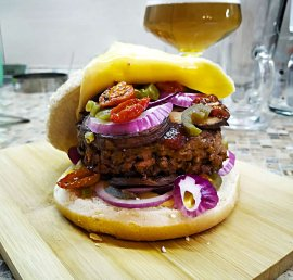 Beef Burger with Sun-Dried tomato and Mushroom