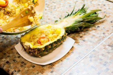 Pineapple fried rice with shrimps