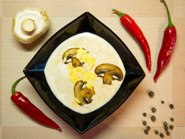 Mushroom soup-puree with cream